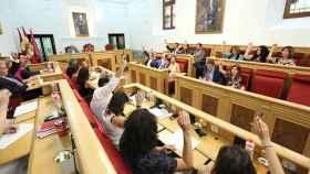 FOTO: Votación de una de las propuestas (Óscar Huertas)