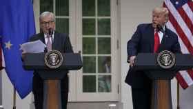 Donald Trump y Jean Claude Juncker durante su comparecencia conjunta en la Casa Blanca.