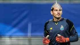 Iker 'Jimenez' Casillas no está solo: otros famosos que creen en conspiraciones