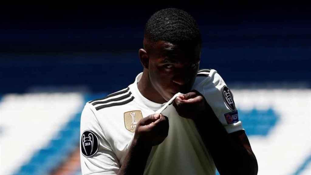 Vinicius, presentado con el Real Madrid