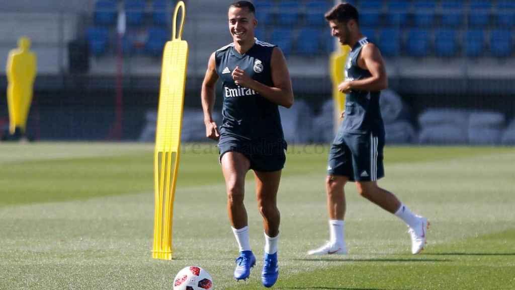 Lucas Vázquez y Asensio entrenando con el Real Madrid