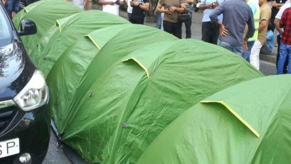 El taxi de Barcelona trata de acampar en Barcelona.