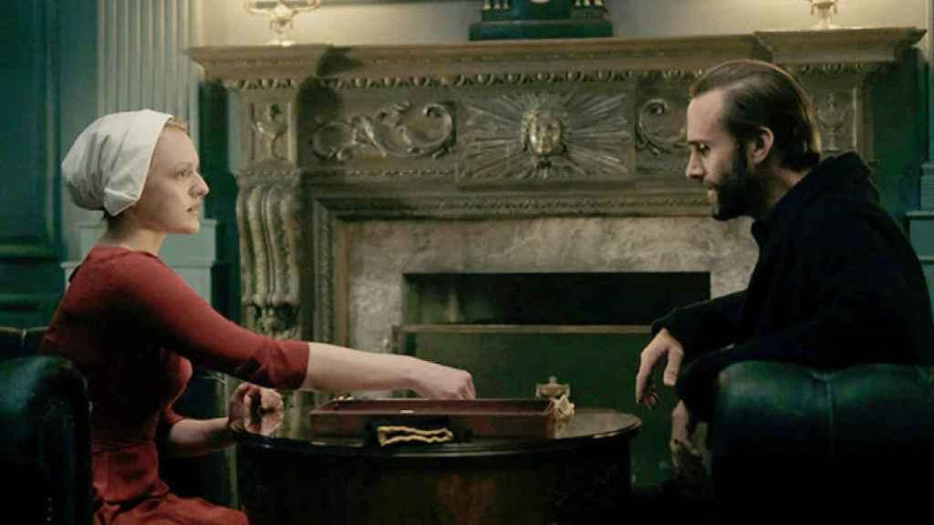 'El cuento de la criada', una de las series disponibles en Vodafone gracias a su acuerdo con HBO.