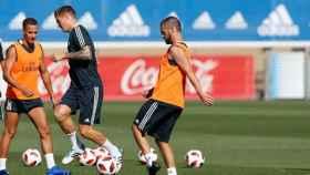 Isco entrenando junto a Lucas Vázquez y Kroos