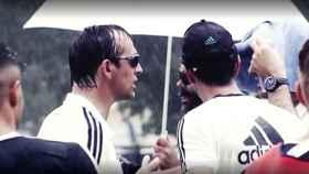 Lopetegui, bajo la lluvia durante un entrenamiento del Madrid