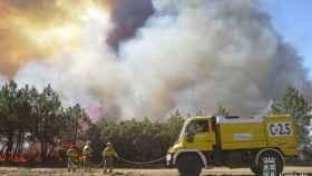 los-bomberos-siguen-trabajando-pese-a-que-el-verano-ya-ha-finalizado