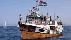 Israel frena la flotilla que se dirigía  a Gaza con ayuda humanitaria en una flotilla