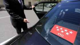 Las VTC velan armas contra el Gobierno al que acusan de intentar comprar la paz del Taxi