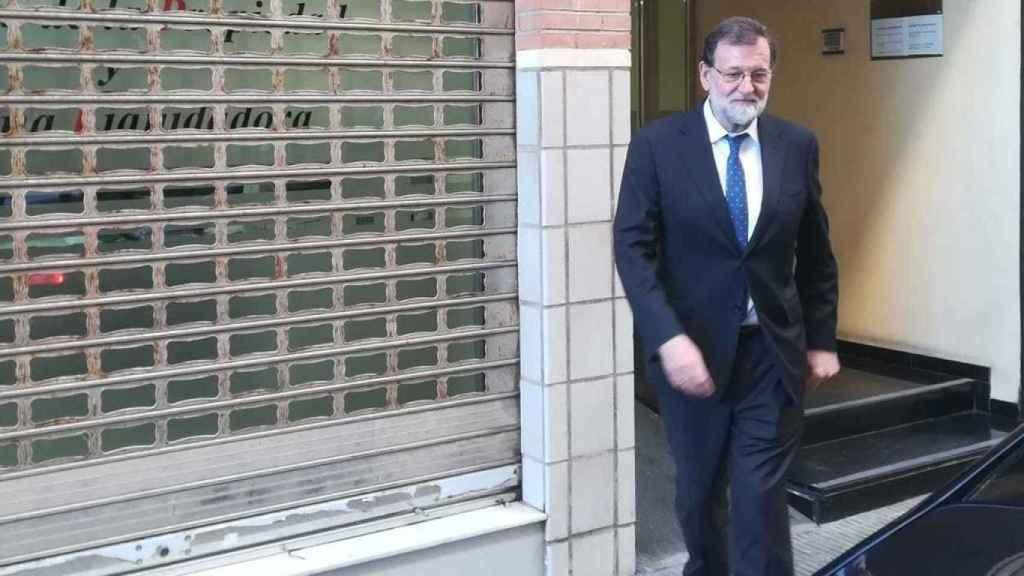 Mariano Rajoy a la salida del Registro de Santa Pola.