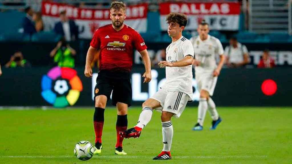 Álvaro Odriozola, frente al Manchester United en su debut con el Real Madrid