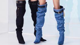 Las botas 'denim' de Versace.