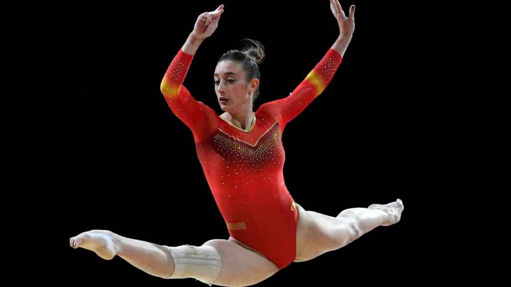 Cintia Rodríguez compitiendo en la modalidad de suelo durante los Europeos de Glasgow.
