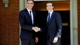 Sánchez y Casado en la última reunión mantenida en La Moncloa.