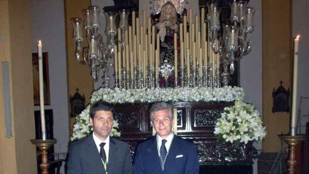 Derecha: José Enrique Varela y Urquijo, tercer Marqués de Varela de San Fernando, es hermano de pleno derecho de la Cofradía de la Soledad de Cádiz.