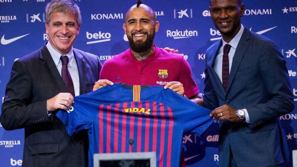 Vidal, presentado con el Barcelona