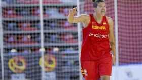 Laura Nicholls entrenando con España