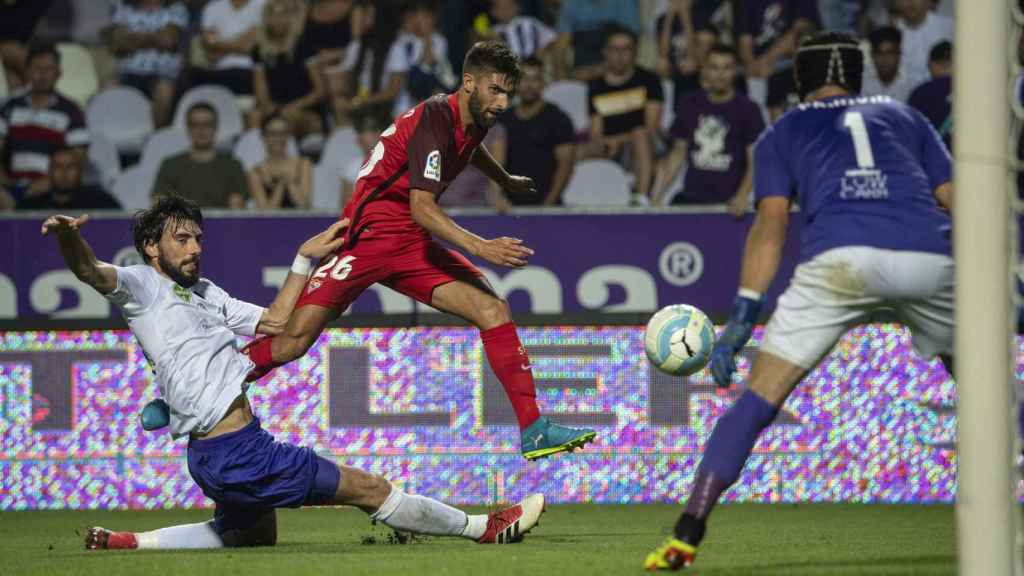 El Sevilla FC, en la vuelta de la segunda ronda de la Europa League frente al Ujpest. Foto: EFE.