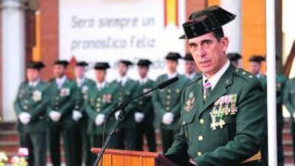 Su hermano, el coronel Antonio Rodríguez-Medel, está destinado en la comandancia de la Guardia Civil en San Lorenzo del Escorial.