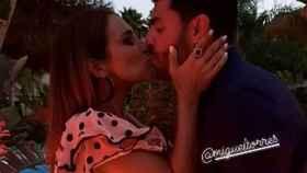 El beso de Paula Echevarría y Miguel Torres.