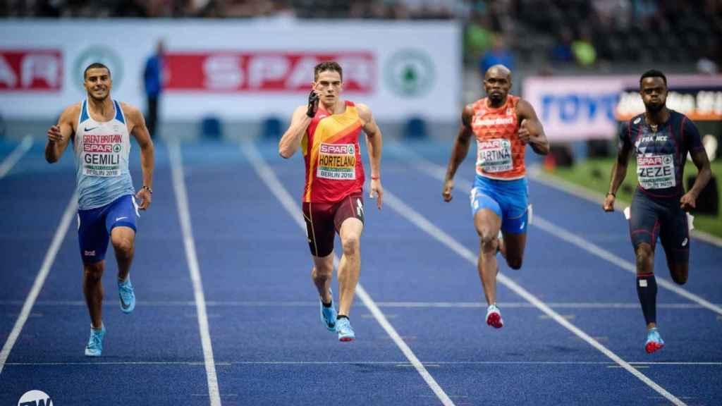 Hortelano, durante la semifinal del 200m en el Estadio Olímpico de Berlín.