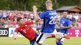 Lewandowski marca con el Bayern Múnich ante el Rottach-Egern. Foto: Twitter (@FCBayernES)