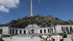 Miles de personas acudieron el 15 de julio al Valle de los Caídos para mostrar su rechazo a la exhumación.