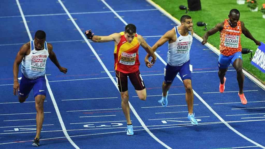 Hortelano fue 4º en la final de 200m con un tiempo de 20.05s.