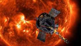 Ilustración de la nave Parker Solar Probe en frente del Sol.