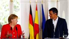 Sánchez y Merkel se plantan ante Salvini: Ningún país puede eximirse del desafío de la inmigración