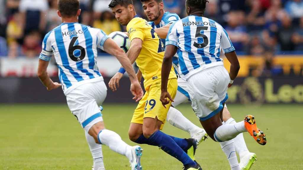 Morata durante un partido de la Premier League