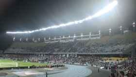 Grada semi vacía del Estadio de Tánger. Foto: Twitter (@manuocam)