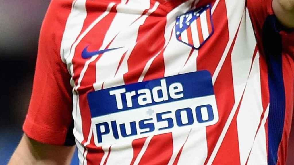 Plus500, patrocinador del Atlético de Madrid.