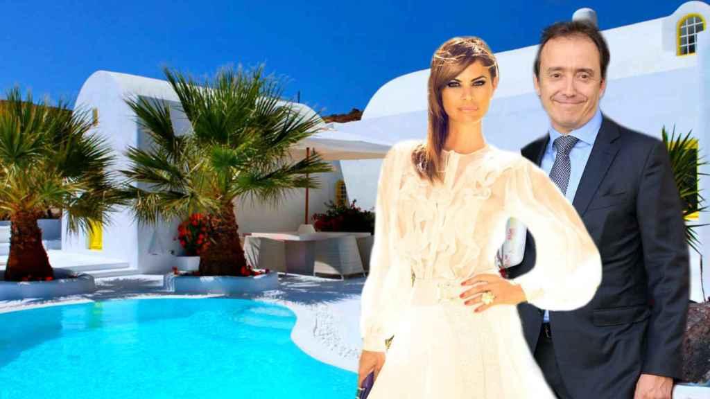 María José Suárez y Jordi Nieto en su villa de Santorini, en un montaje de Jaleos.