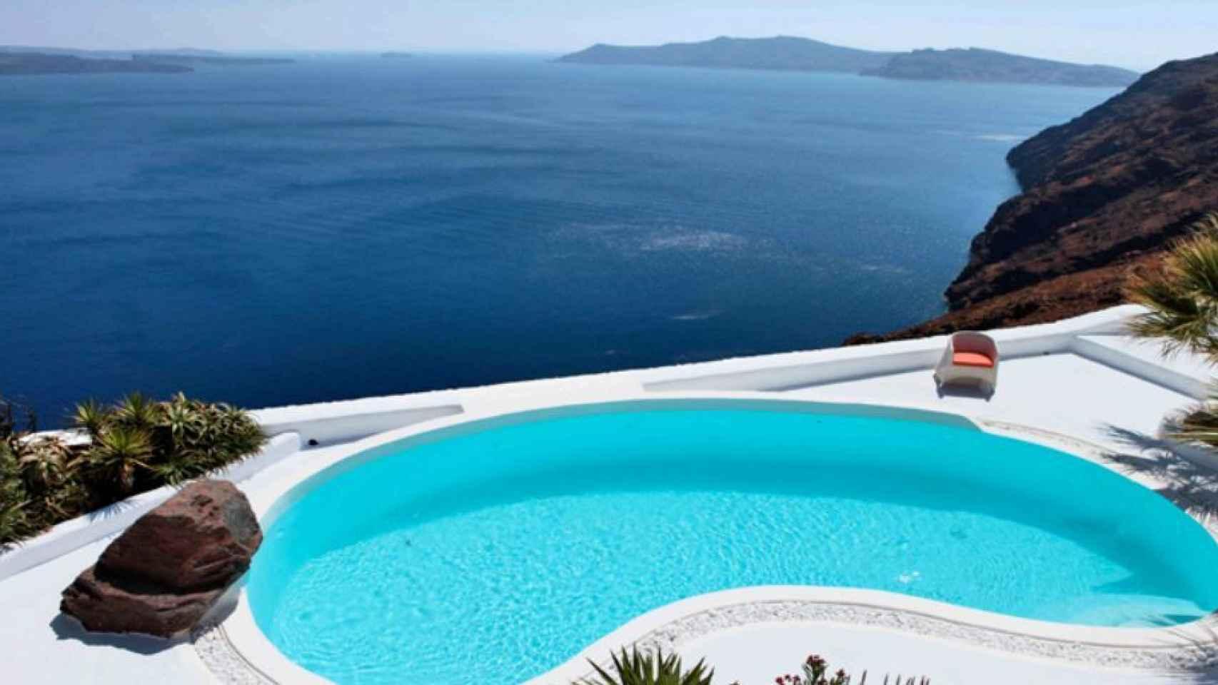 Así es la lujosa villa de Santorini en la que se ha casado María José Suárez