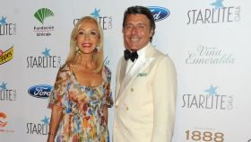 Carmen Lomana junto a Gigi Barón en la Gala Starlite.