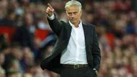 Mourinho durante el partido del Manchester United ante el Leicester City