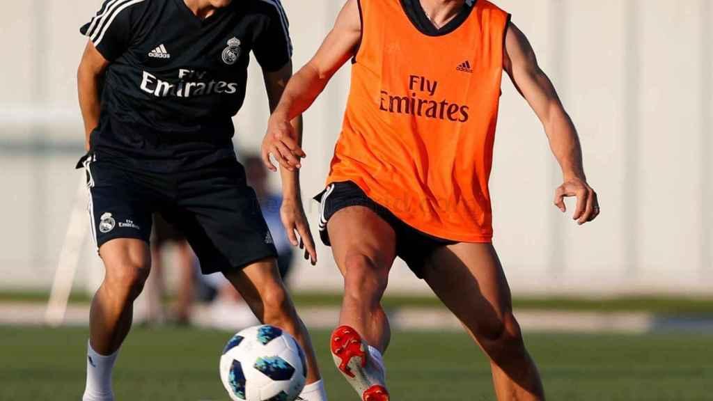 Luka Modric y Odegaard durante un entrenamiento
