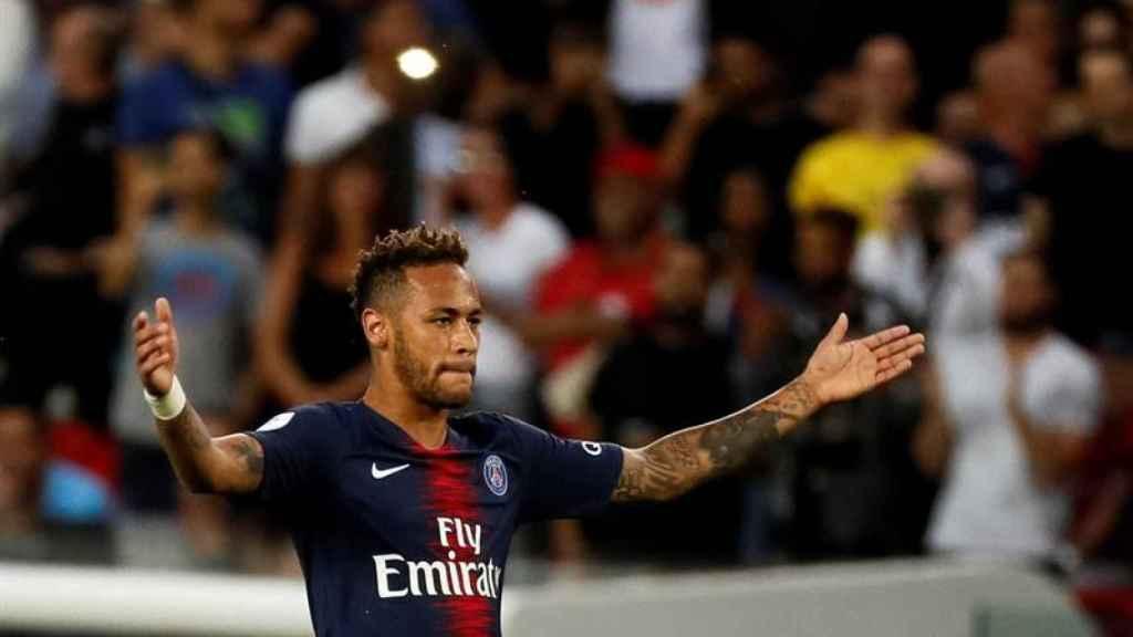Neyamr durante el partido inaugural de Ligue 1