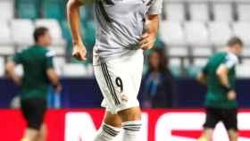 Karim Benzema, durante el calentamiento de la Supercopa de Europa