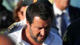 Salvini, durante su visita al lugar del suceso en Génova