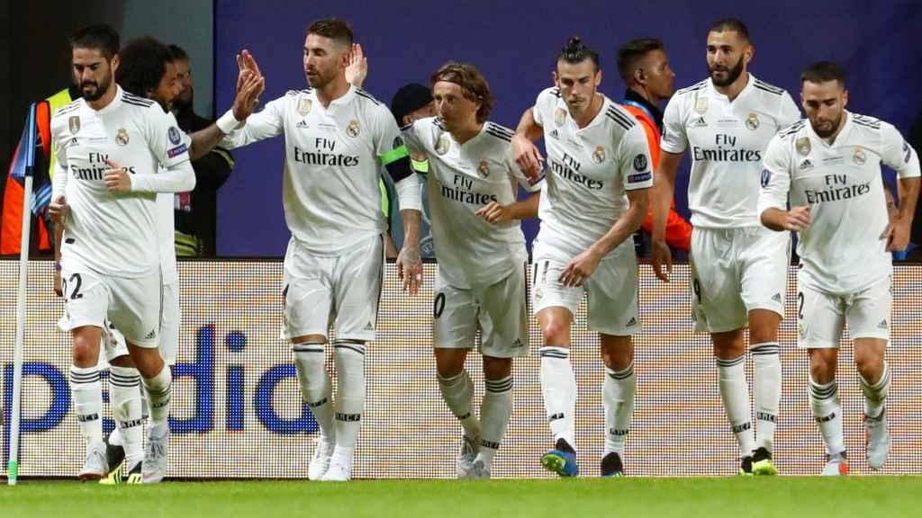 El Real Madrid celebra un gol en la Supercopa de Europa
