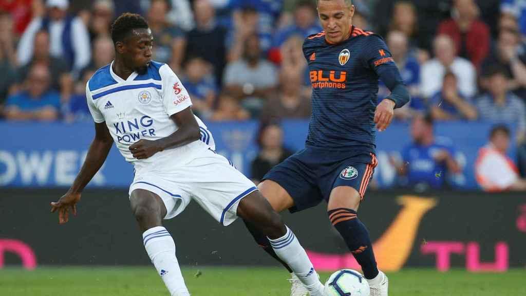 Rodrigo durante el amistoso ante el Leicester City