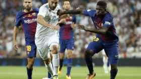 Benzema, junto a Umtiti y Jordi Alba en un partido de la pasada temporada