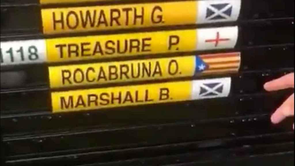 Un golfista independentista cambia la bandera de España por una estelada