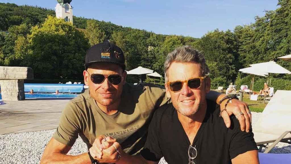 Lacen Armstrong y Ullrich, en la residencia del alemán.