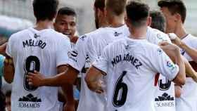 Los jugadores del Huesca celebran el primer gol del equipo ante el Eibar