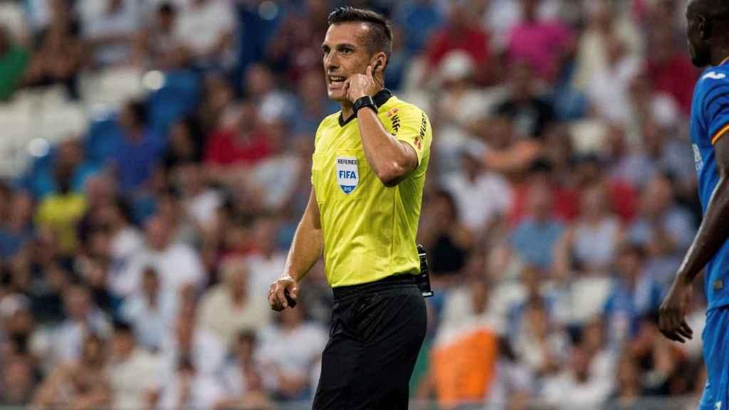 Estrada Fernández, arbitrando el Real Madrid - Getafe