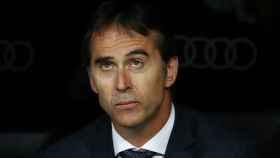 Julen Lopetegui, sentado en el banquillo del Real Madrid