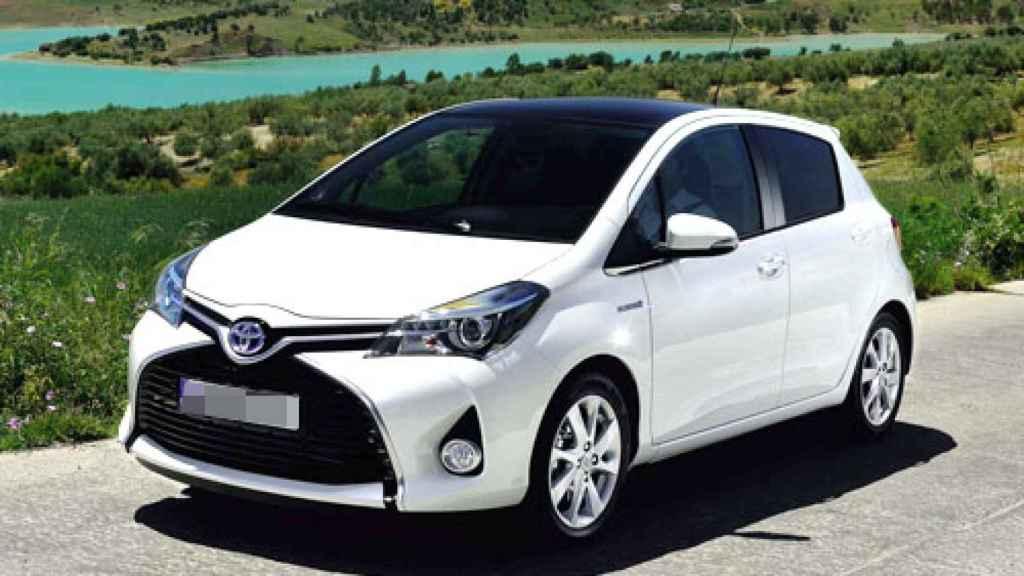 Toyota Yaris blanco