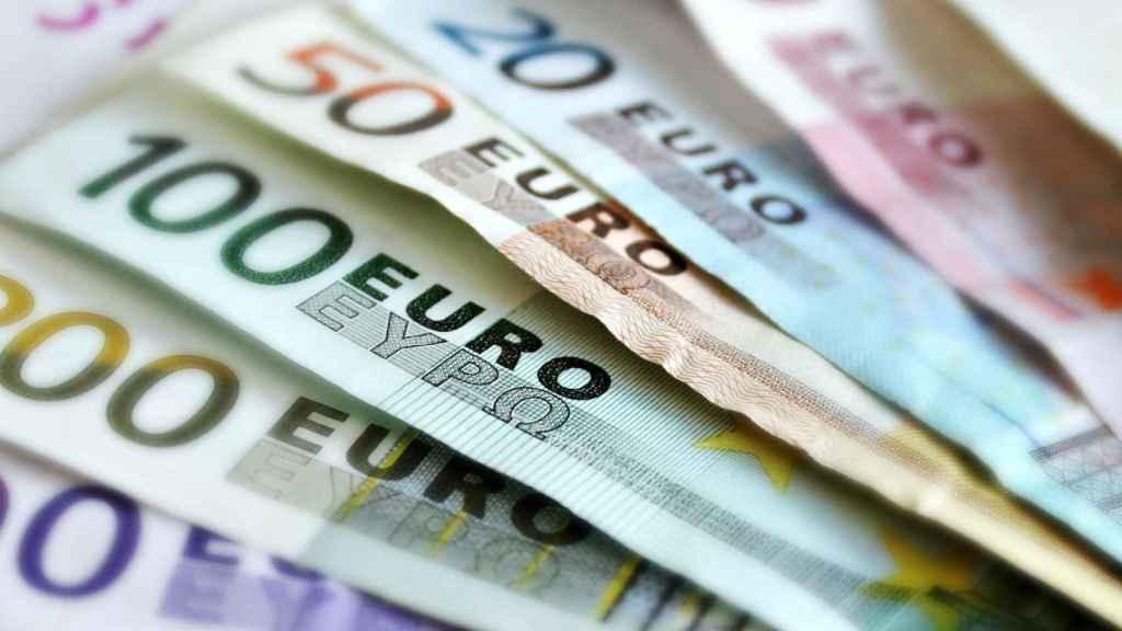 Billetes de euro de distintas denominaciones.